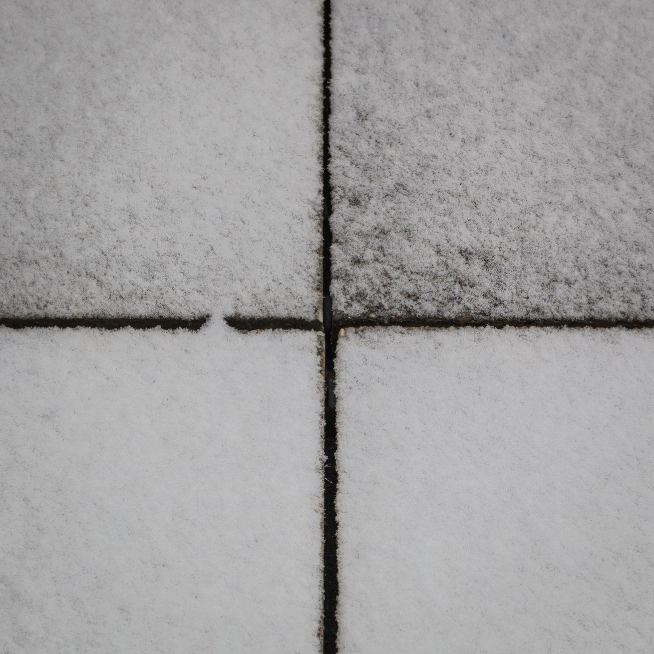 kruis in sneeuw (1 van 1)
