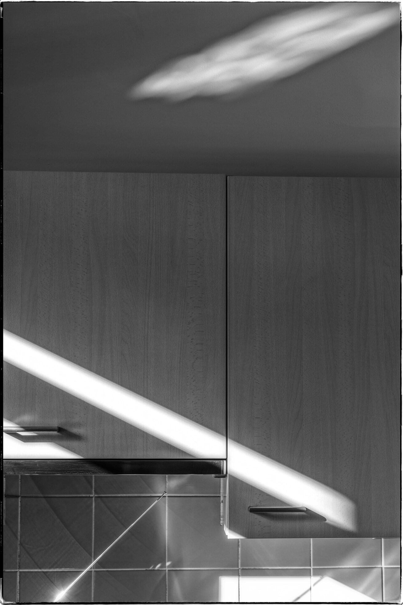 keukenkast en zonlicht (1 van 1)