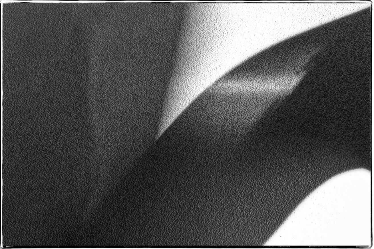 zitting keukenstoel en zonlicht (5 van 1)